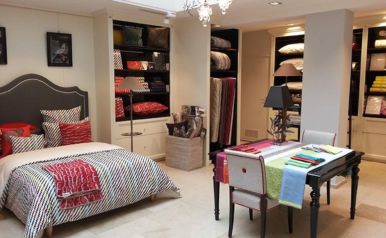 agencement magasin mobilier magasin sur mesure hus agencement lille nord. Black Bedroom Furniture Sets. Home Design Ideas